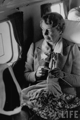 Eleanor roosevelt knitting on plane